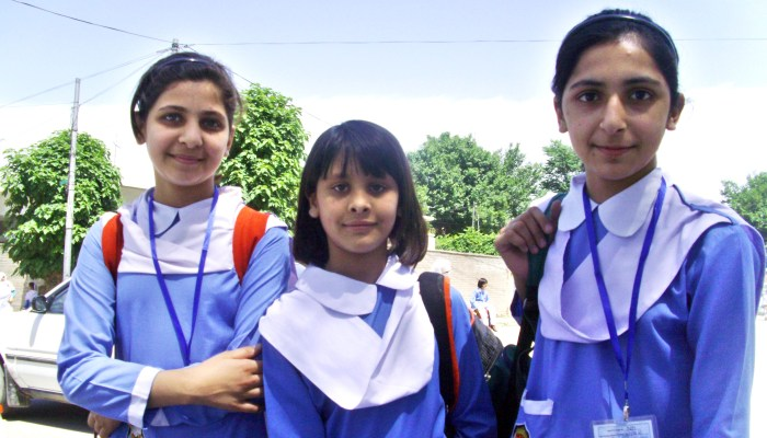 grade 12 student pakistan